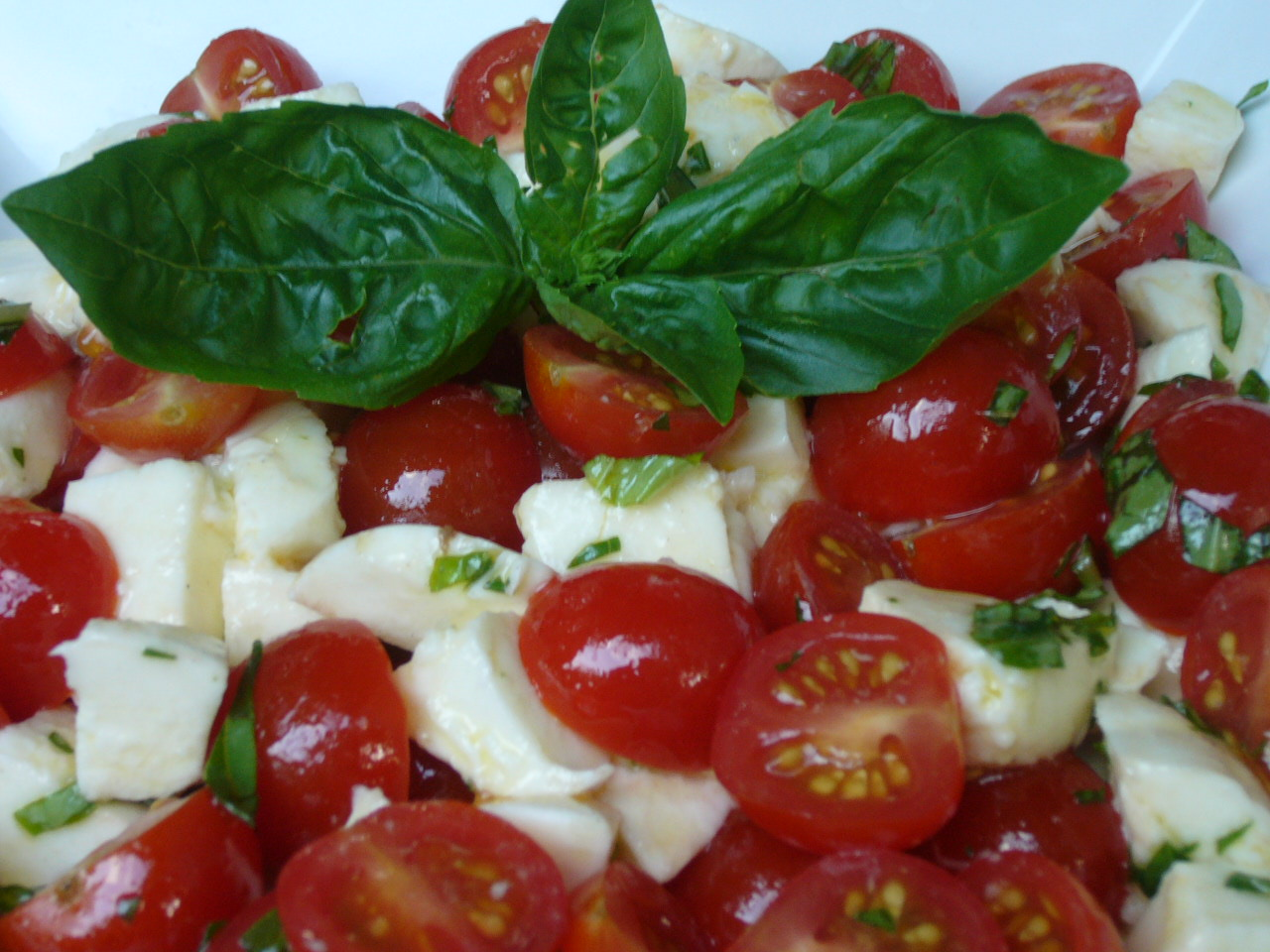 'Chopped' Caprese Salad