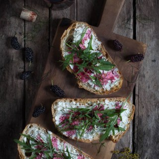 Mulberry, Goats Cheese, Rocket Leaf and Fennel Toasts -- Seasonal Food | https://theseasonaltable.co.uk/savoury/mulberry-goats-cheese-rocket-leaf-fennel-toasts/