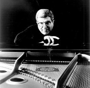 marvin hamlisch at piano1