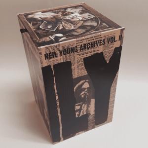NeilYoung ArchivesVol2 box 1080sq