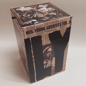 NeilYoung ArchivesVol2 box 1080sq