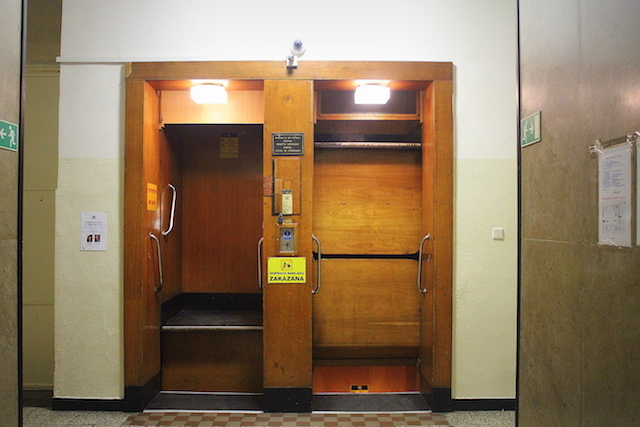 Paternoster lift, Prague
