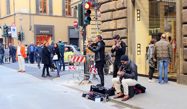 Street musicians in via Tornabuoni in Florence