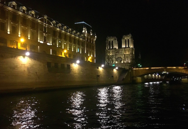 River cruise dinner in Paris