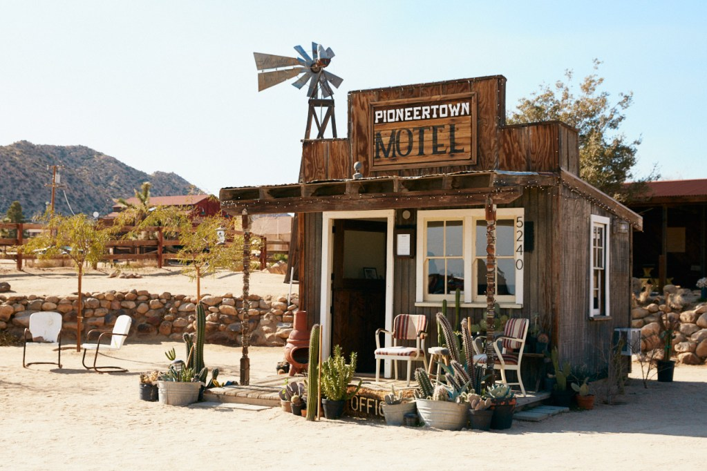 Pioneertown-Motel-joshua-tree-california-airbnb-hotel-places-to-stay-where-to-stay-rental-house