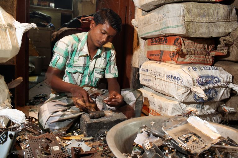 E-Waste Dismantling in Sangrampur | Source: Sean Gallagher