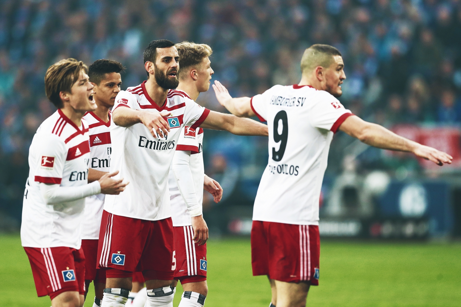 Why Don T Hamburger Sv Challenge The Bundesliga S Mightiest Clubs