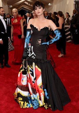 Katy Perry wears a Moschino dress, designed by Jeremy Scott