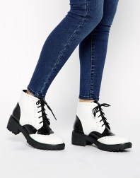 Asos Brogue Ankle Boots £22.50 / 30,82 €