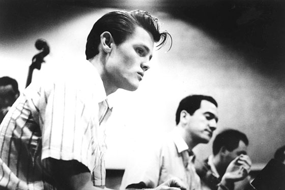 Chet Baker was now slouch either-- shown here in a short sleeve shirt.  And I can tell you right now, he ain't wearin' shorts.