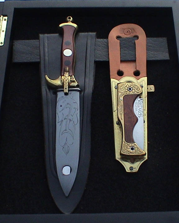 A magical pair of handcrafted Kenny Howard (Von Dutch) knives