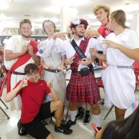 Spirit week spotlight – day 4, color/toga day