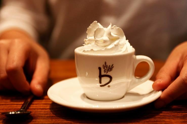 NEWS] South Korean coffeehouse Caffebene has arrived in Singapore ...