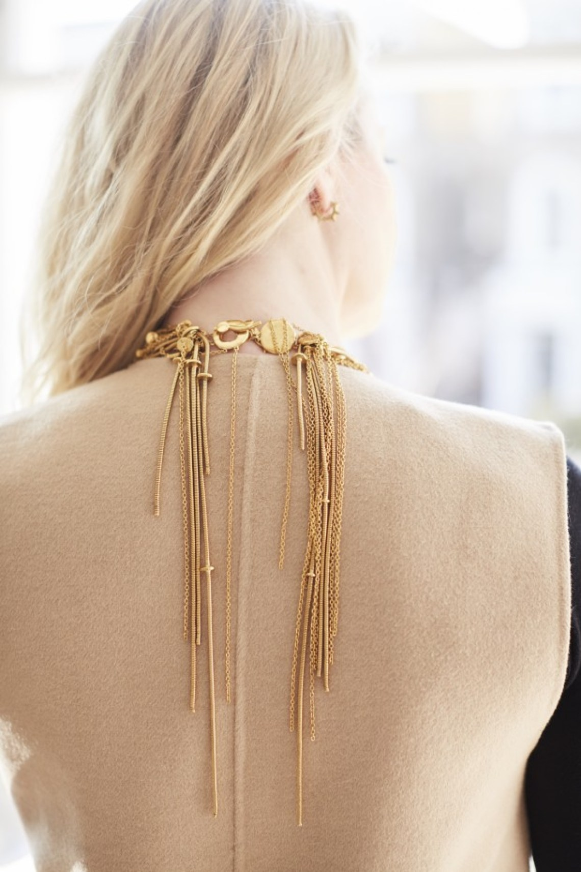 necklace back gold