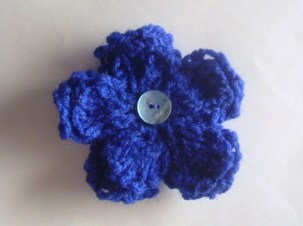 brooch blue royal