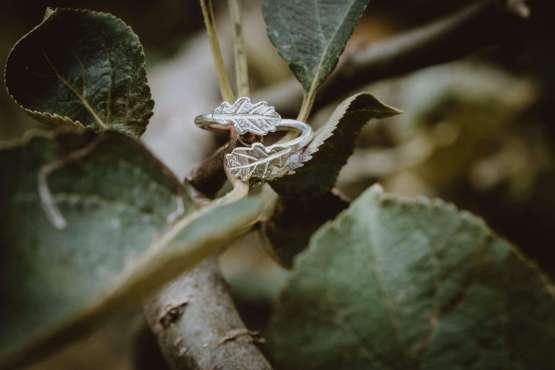 dual silver oak leaf ring main