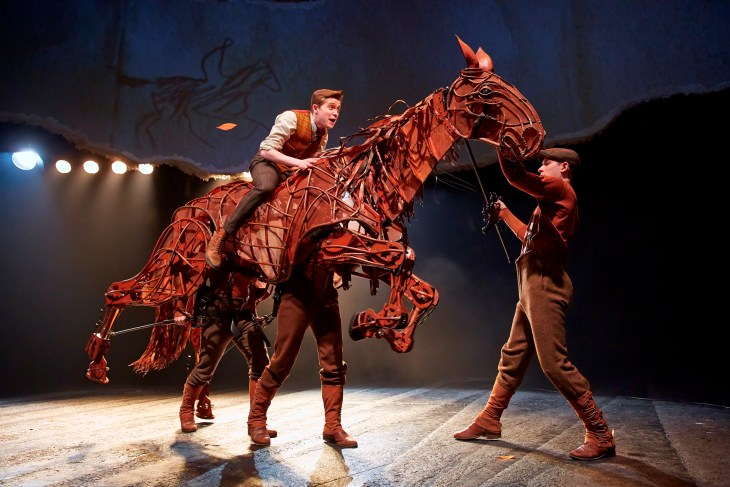 WAR HORSELondon Cast 2014
