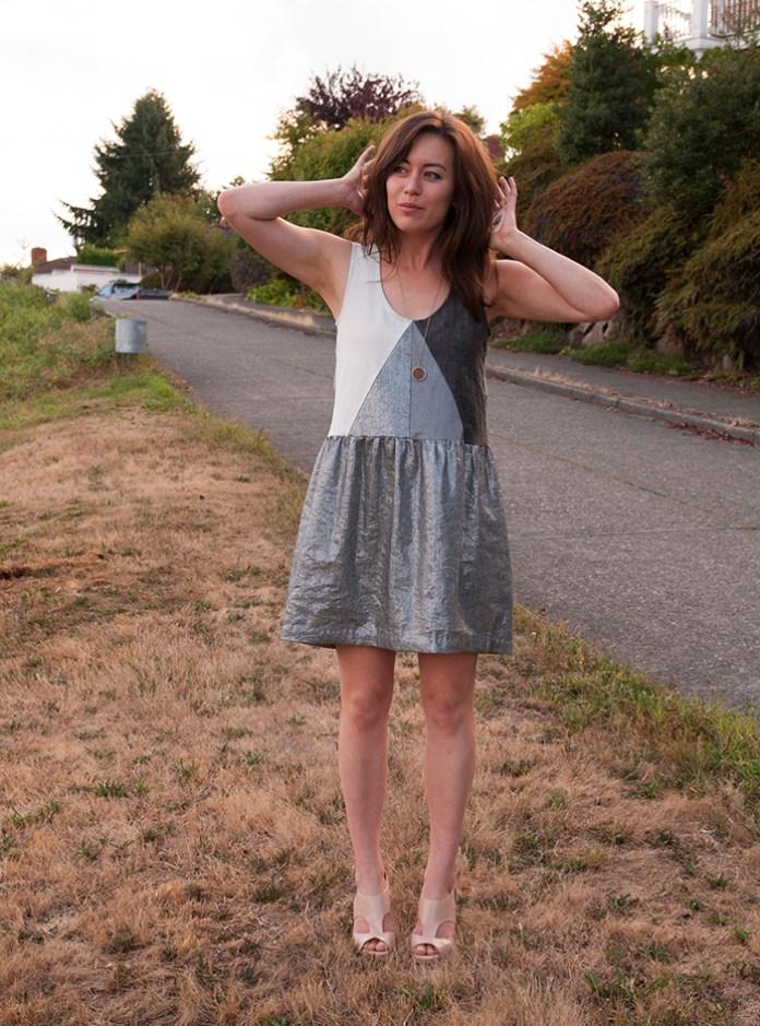 http://crabandbee.com/2014/09/22/triangulated-scrap-dress/