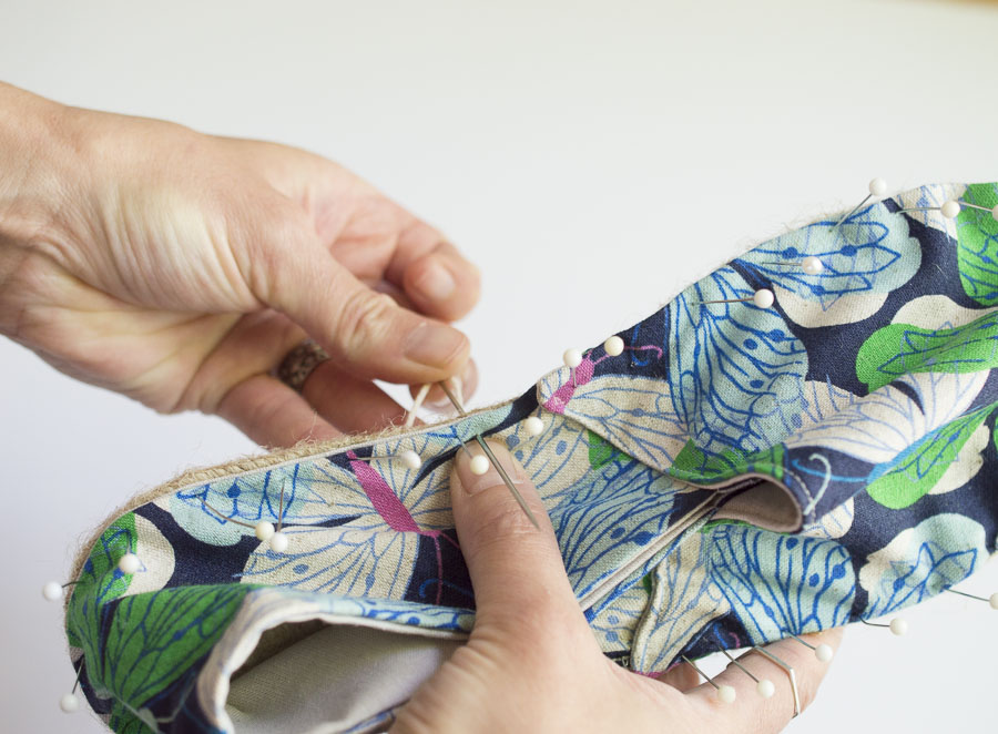 Melissa demonstrating on how to make one of her espadrilles kits