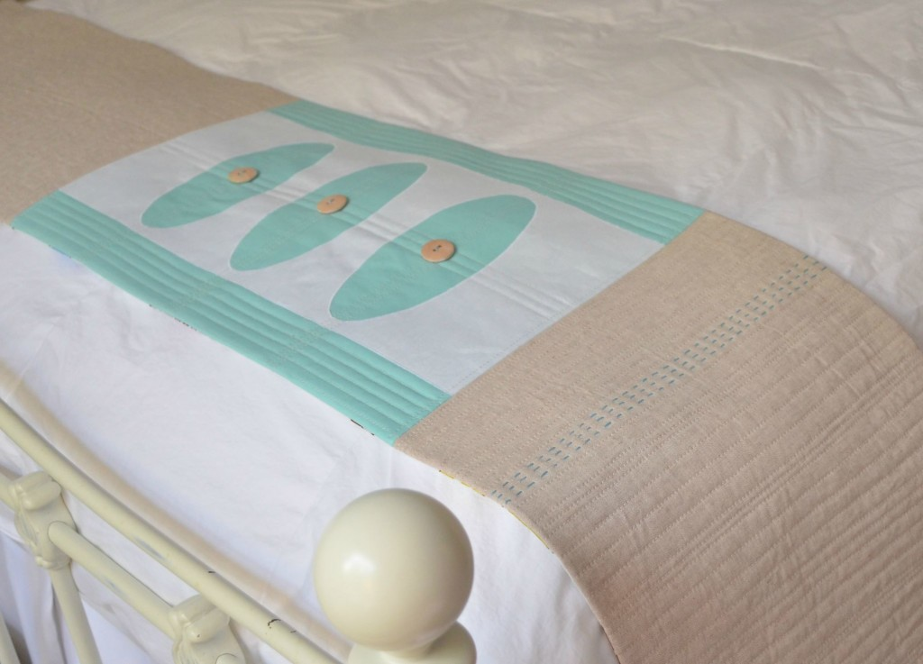 linen-bed-scarf