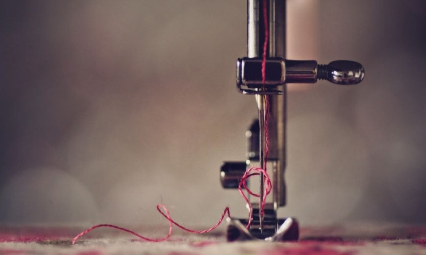 How to Thread a Needle on a Sewing Machine
