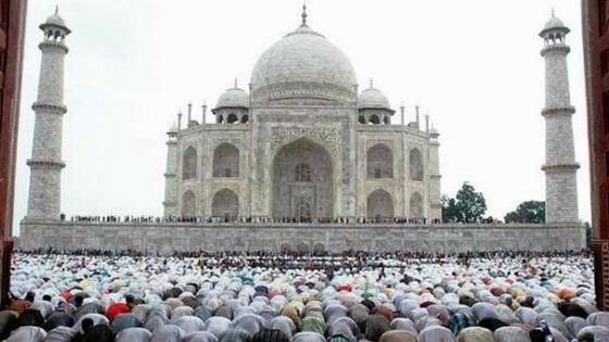 RSS history wing wants ban on Friday prayers at Taj Mahal