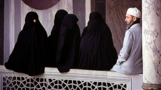 SC seeks Center's response on plea challenging Polygamy, Nikah Halala among Muslims