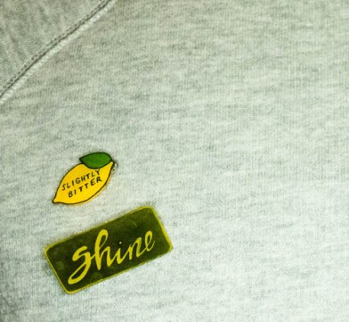 SMALL_theshinystuff.wordpress.com_diy_art_pin_unicorn_shine (5 of 7)