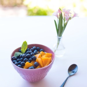 a bowl of fruit.