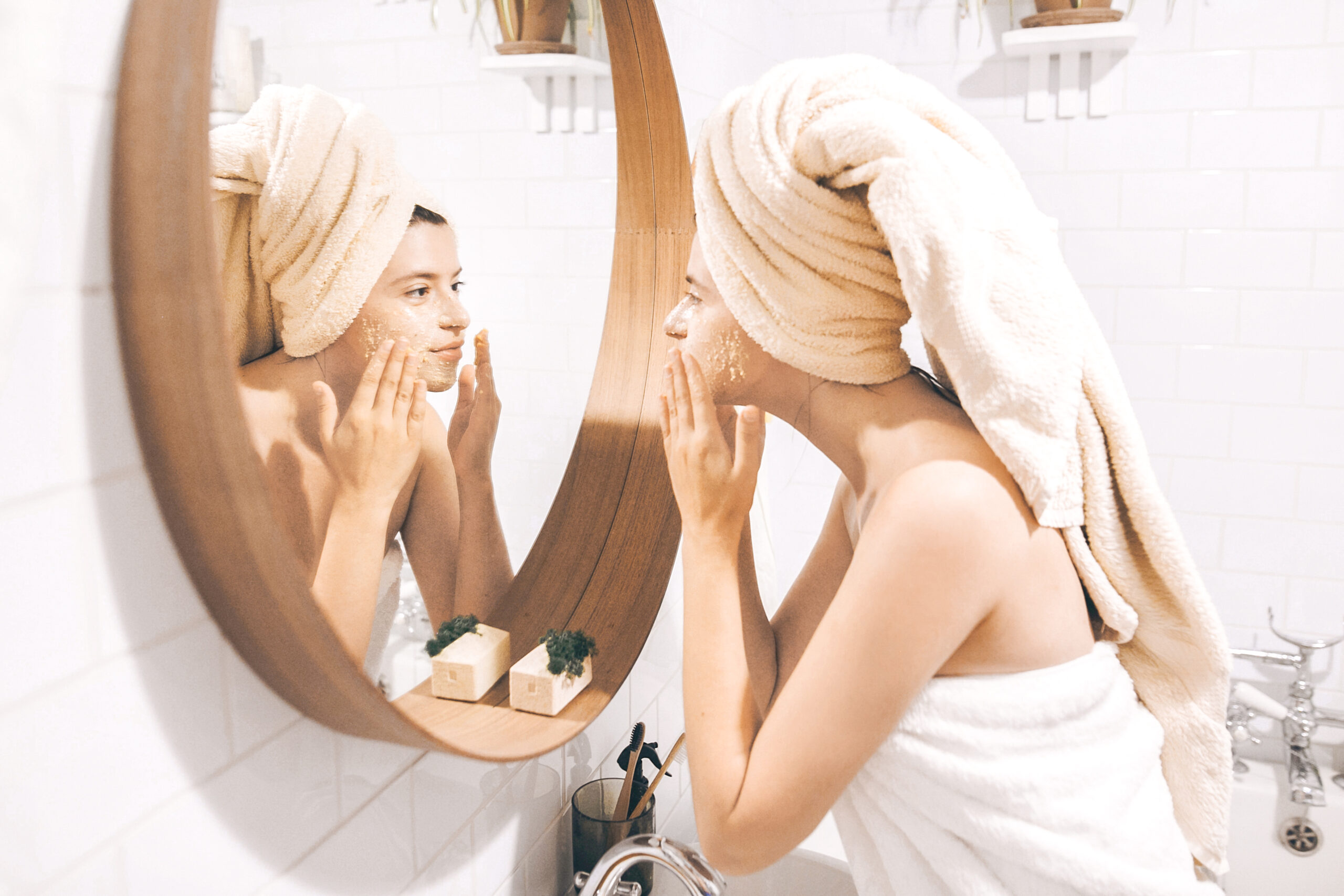 SUFFERING FROM BREAKOUTS? HERE ARE 4 TASTY FACTORS THAT COULD BE CAUSING THEM.