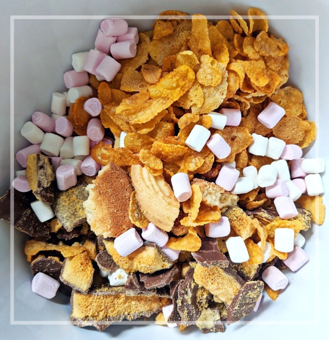 delicious gluten free rocky road recipe with pretzels, marshmallows, chocolate and honeycomb