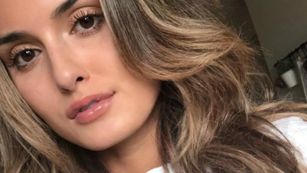 Julia Rose : Instagram Model arrested for 'Hollyboob' prank after social media ban.