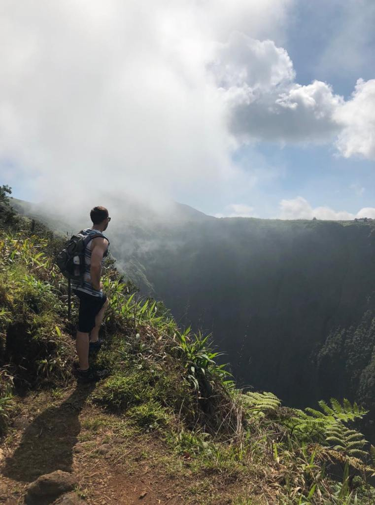 white road hike, waipio valley, waimea, kamuela, honokaa, south kohala, hamakua coast, hiking, waterfalls