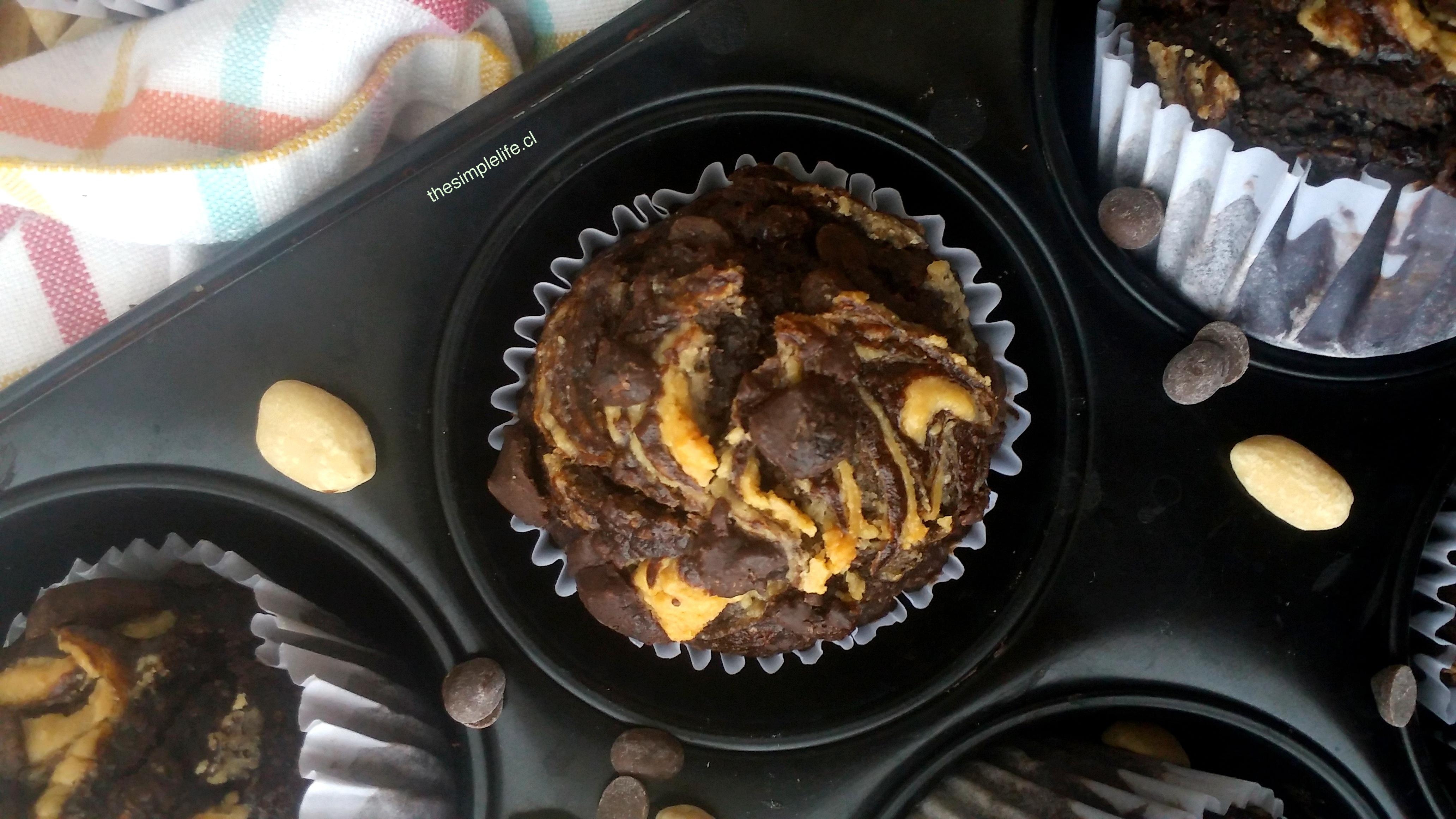 Muffins de Chocolate, Plátano, y Mantequilla de Maní 6