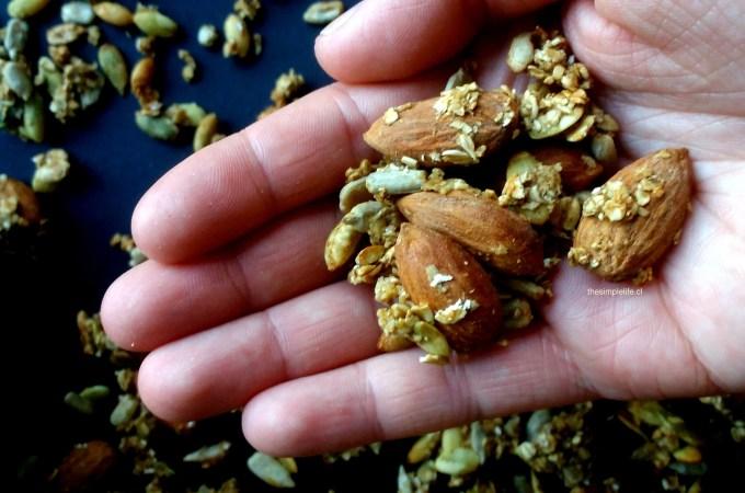Granola Salada al Eneldo y Mostaza.