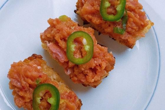 spicy tuna crispy rice featured