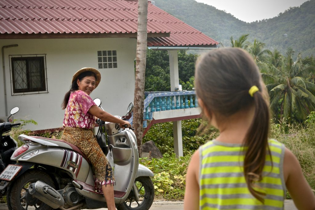 moving to Thailand with children