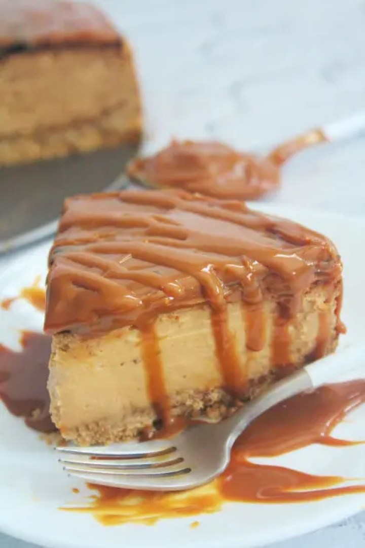 Serving a Slice of Dulce de Leche Cheesecake made in the Air Fryer
