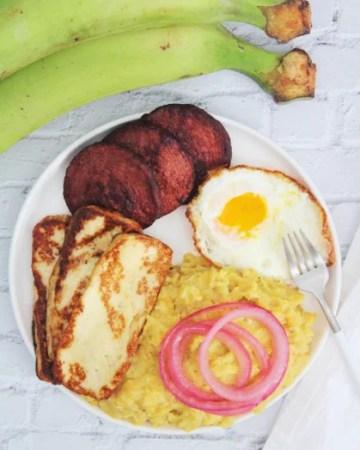 Dominican Mangu Con Los Tres Golpes
