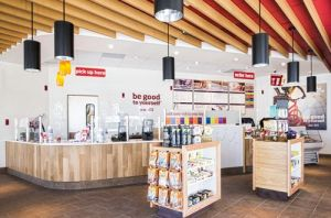 Smoothie-King-New-Store-Design-interior