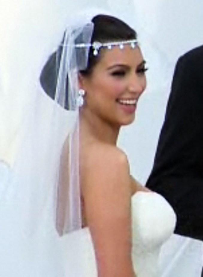 let's analyze kim kardashian's wedding hair and makeup - the