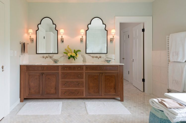 Enjoy Your Bath Time With These Beautiful Design of Bathroom Mirror Ideas 6