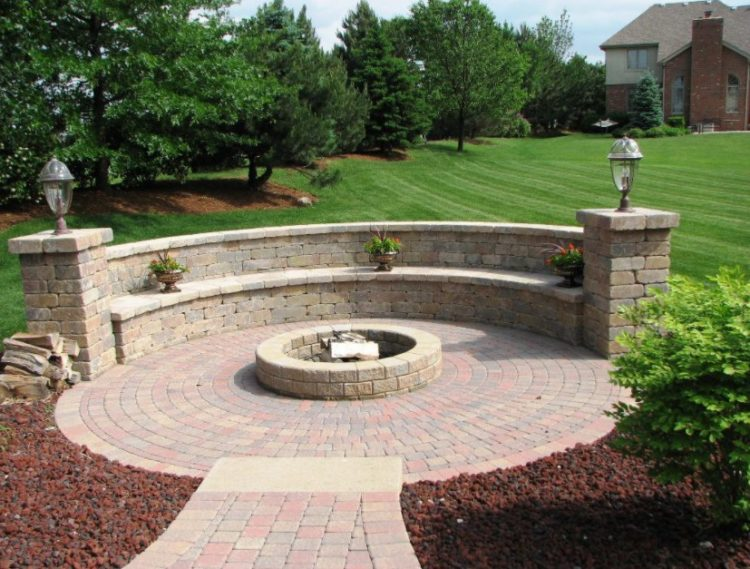 15 Outstanding Cinder Block Fire Pit Design Ideas For Outdoor on Simple Cinder Block Fireplace id=37276