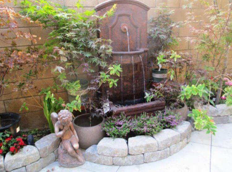 21 Backyard Wall Fountain Ideas to Wow Your Visitors - TSP ... on Backyard Feature Walls  id=27859