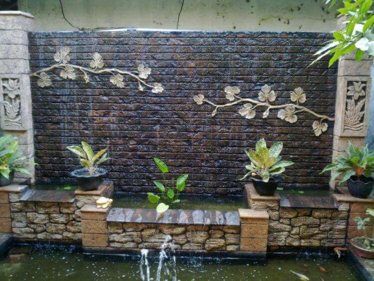 21 Backyard Wall Fountain Ideas to Wow Your Visitors on Backyard Feature Walls id=61519