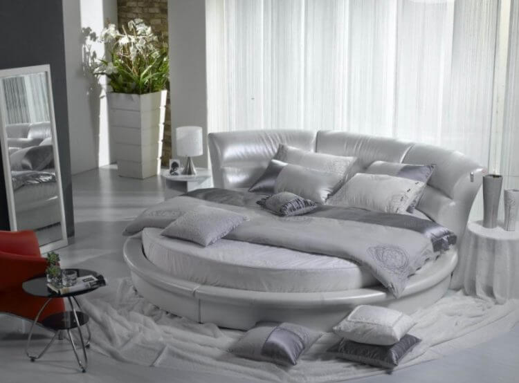 10 Exquisite Modern and Classic Round Beds for Your Sleep Space 9