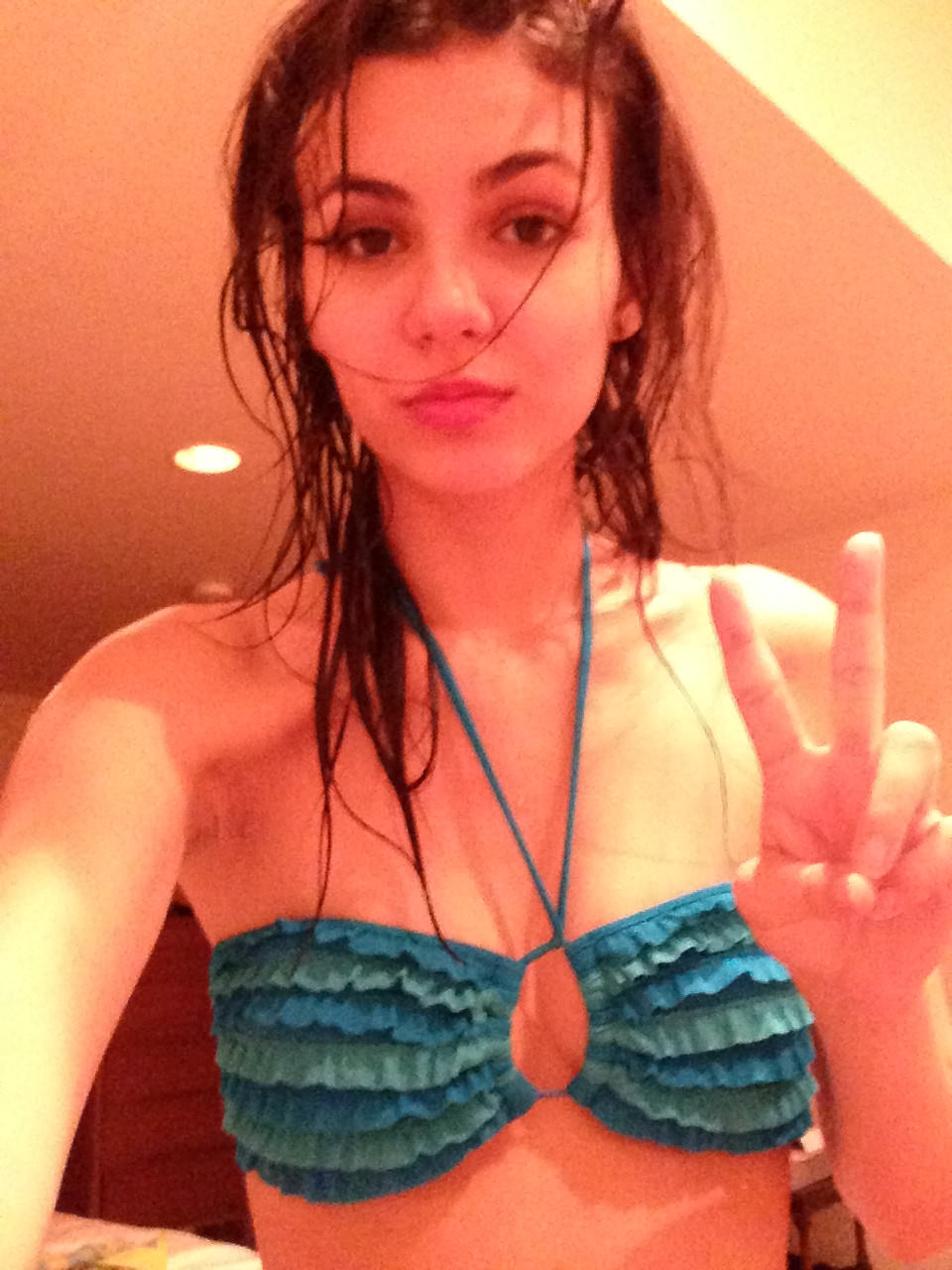 FULL VIDEO: Victoria Justice Sex Tape And Nudes Leaked!