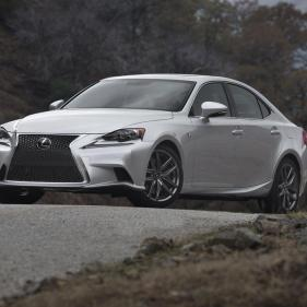 2014-Lexus-IS-05