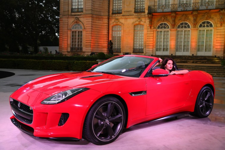 006-lana-del-ray-jaguar-f-type