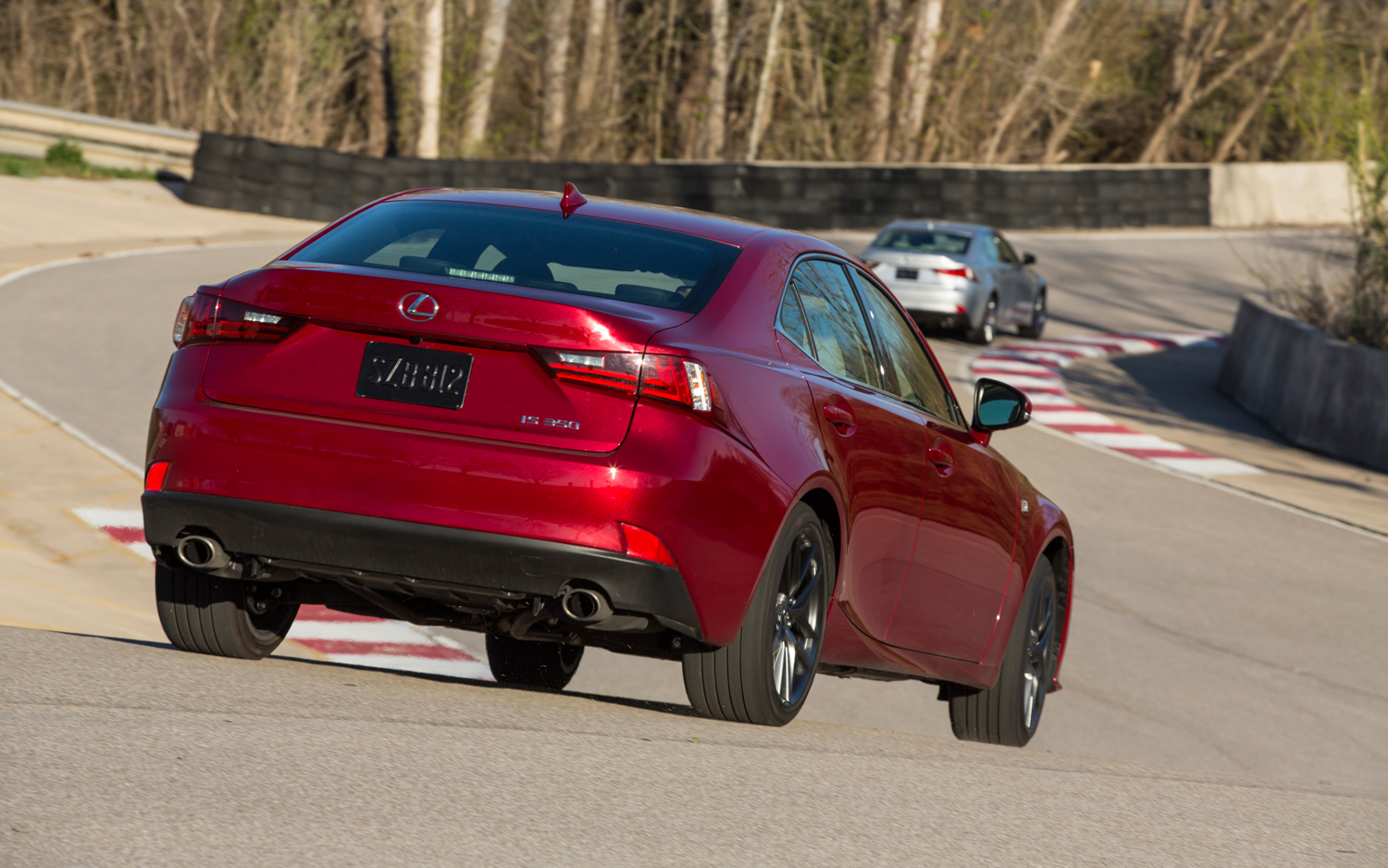 2014-Lexus-IS350s-on-track-corkscrew